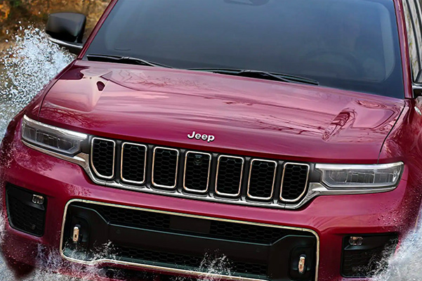 2021 Jeep Grand Cherokee L driving through water