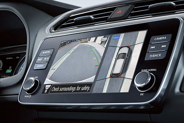 2022 Nissan LEAF screen view of Intelligent Around View® Monitor