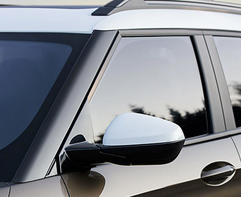 2021 Trailblazer Side Mirror & Window Medium View
