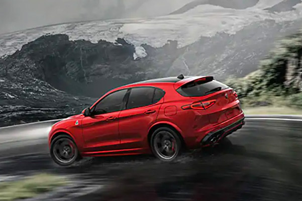 2019 Alfa Romeo Stelvio Design & Performance