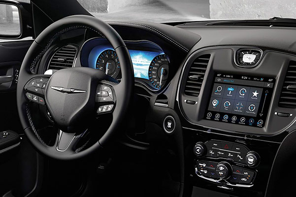 2019 Chrysler 300 Interior & Technology