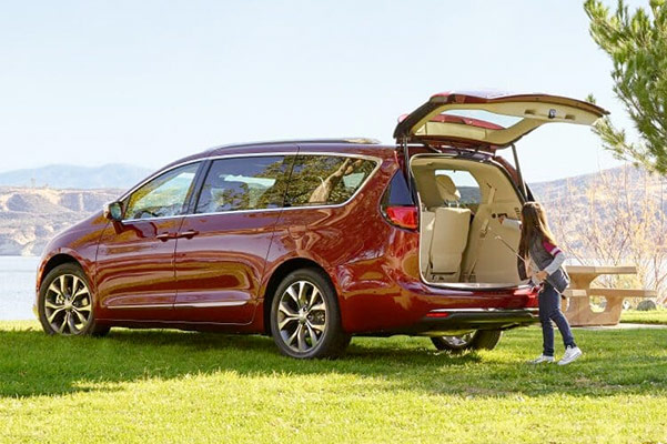 2019 Chrysler Pacifica MPG, Specs & Safety