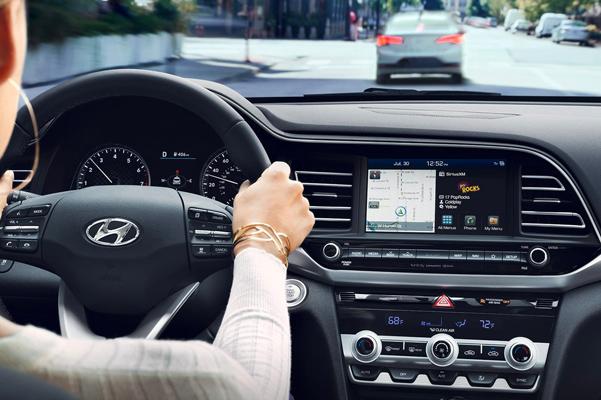 2019 Hyundai Elantra Interior & Exterior