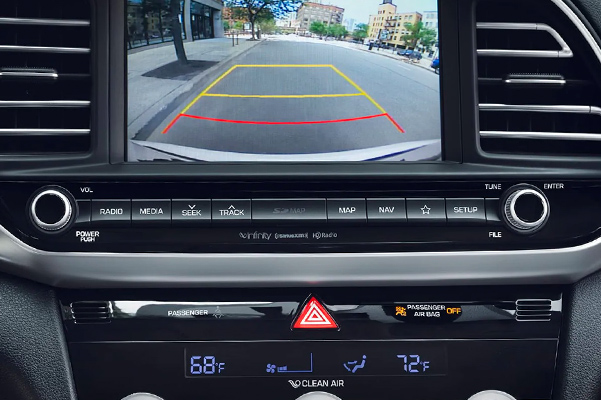 2019 Hyundai Elantra MPG & Safety