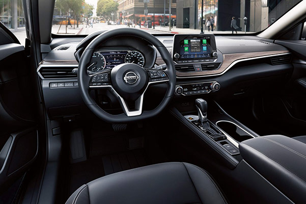 2019 Nissan Altima Interior Features & Technology