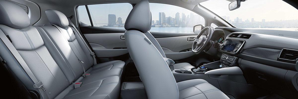 2019 Nissan LEAF Interior & Technology