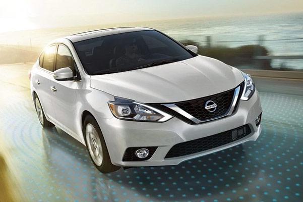 2019 Nissan Sentra Interior & Technology