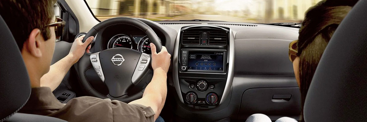 2019 Nissan Versa Interior & Technology