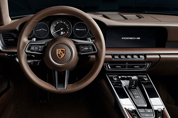2019 Porsche 911 Carrera Interior Features & Technology