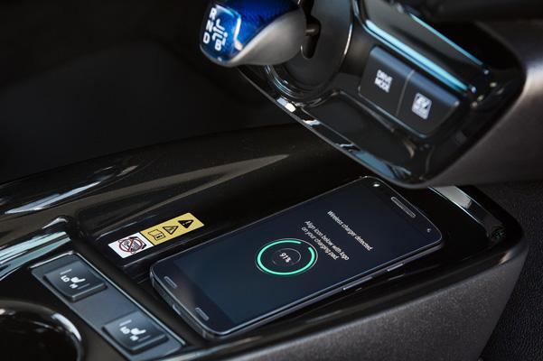2019 Toyota Prius Interior & Technology
