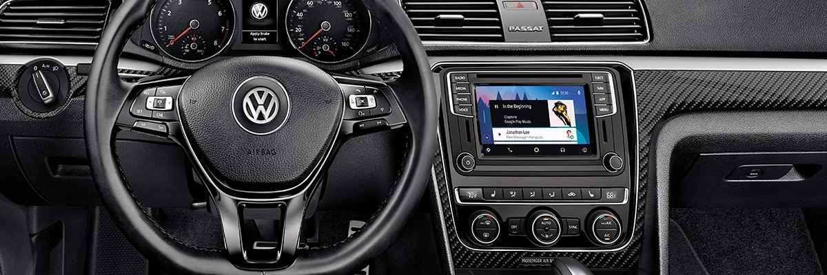 2019 Volkswagen Passat Interior & Technology