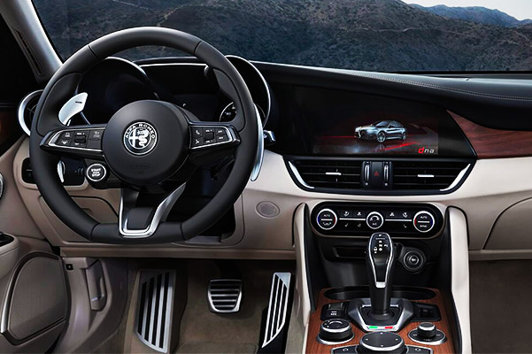 2020 Alfa Romeo Giulia interior dashboard view