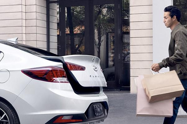 2020 Hyundai Elantra Interior & Exterior