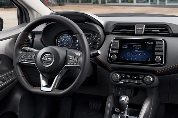 2020 Nissan Versa Interior & Technology