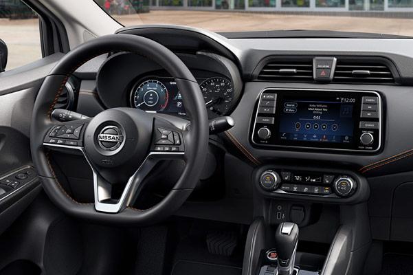 2020 Nissan Versa Interior & Technology
