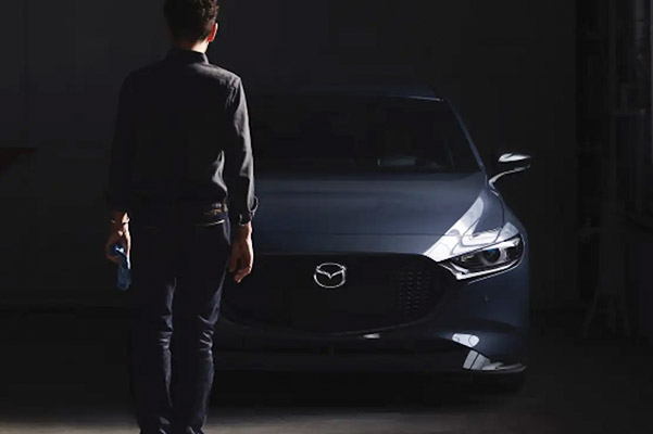 2021 Mazda3 2.5T front view in blue