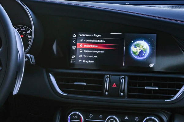 Close up of the performace pages displayed on the touchscreen of the 2021 Alfa Romeo Giulia Ti