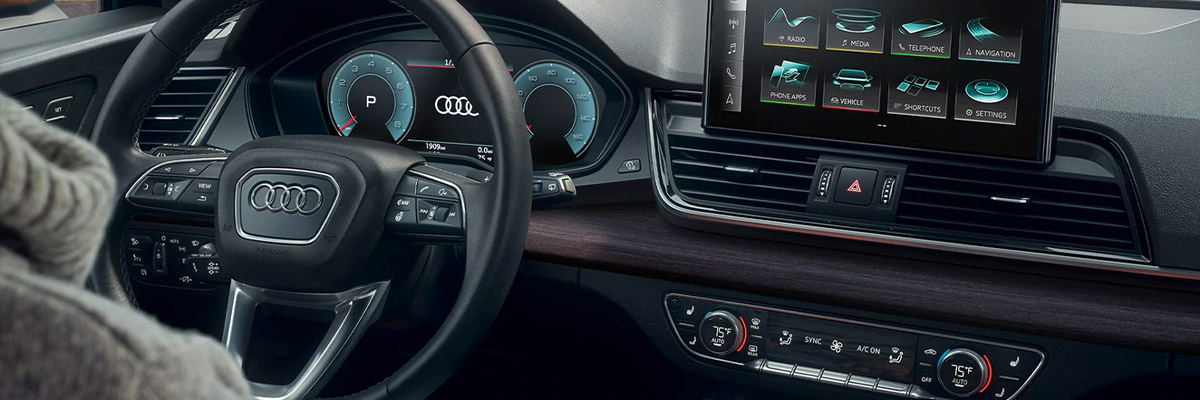 Interior shot of the 2021 Audi Q5