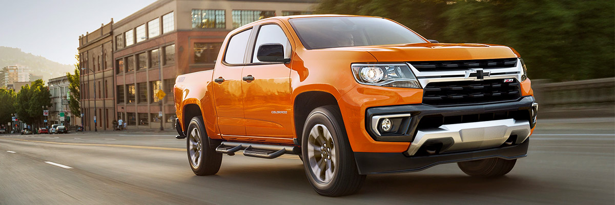 2021 Chevrolet Colorado ZR2 Driving Off-Road