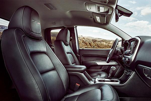2021 Chevrolet Colorado Interior Front Seat Area