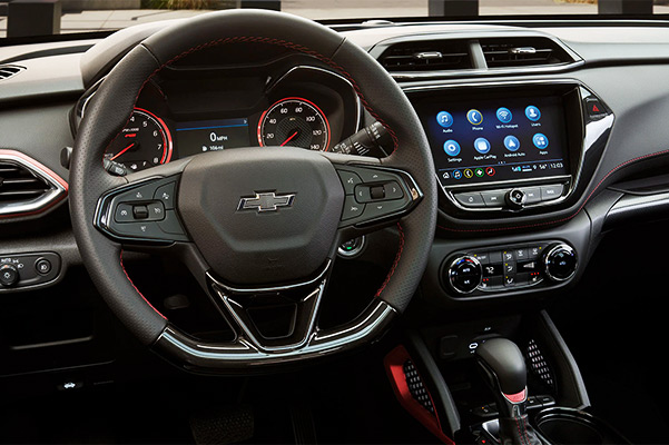 2021 Chevrolet Trailblazer Infotainment System & Dashboard Medium View