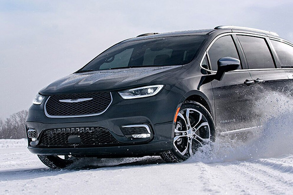 2021 Chrysler Pacifica driving through snow