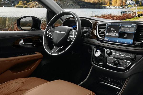 2021 Chrysler Pacifica interior dash