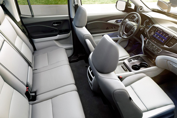 Interior cabin view of front seats in the 2021 Honda Ridgeline RTL-E with Gray Leather.