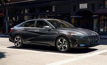2021 Hyundai Elantra side view on city streets