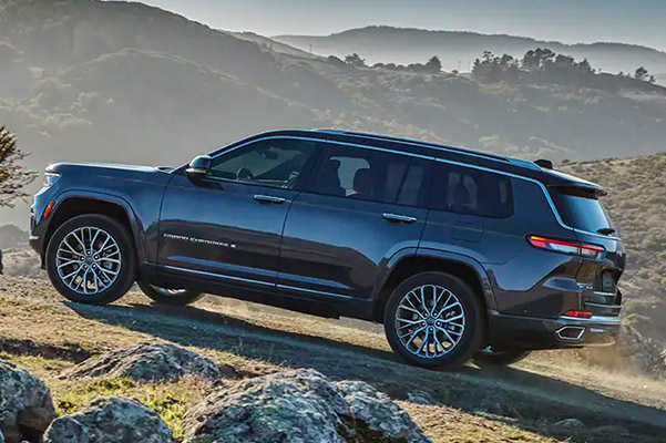 2021 Jeep Grand Cherokee L driving uphill offroad