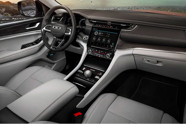 Interior shot of the dashboard in a 2021 Jeep Grand Cherokee L