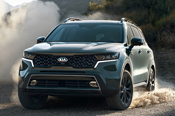 2021 Kia Sorento on dusty road
