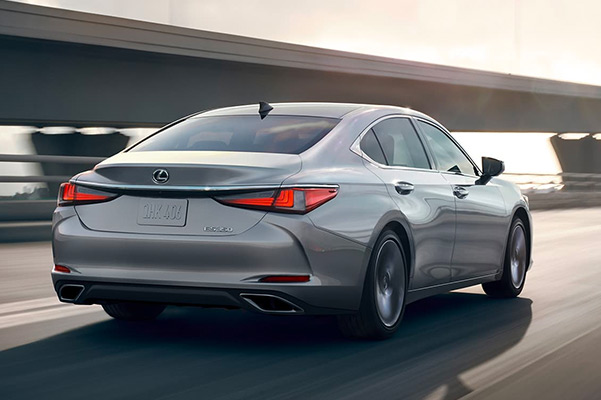 Rear shot of a 2021 Lexus ES in motion