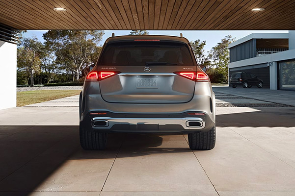 Rear view of a 2021 Mercedes-Benz GLE 450 4MATIC parked in a driveway
