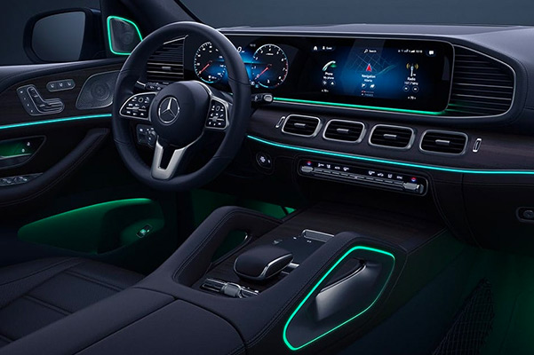 Standard dual 12.3-inch screens and 64-color lighting deliver information with ambience in the 2021 Mercedes-Benz GLE
