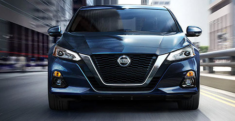 2021 Nissan Altima front grille