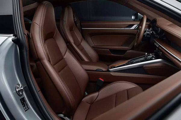 Interior shot of the front seats in a 2021 Porsche 911