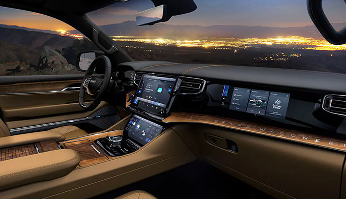 2022 Jeep Grand Wagoneer interior technology
